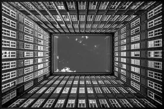 harry-lieber-sky-view-from-courtyard