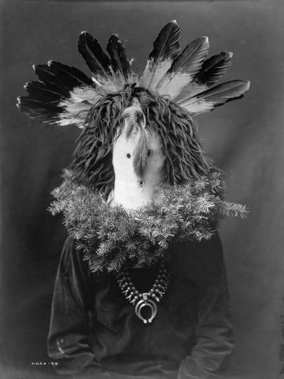 Haschogan - Navaho-Edward S^ Curtis-Photographic Print