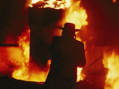 https://imgc.artprintimages.com/img/print/hasidic-jews-celebrate-lag-b-omer-with-a-traditional-bonfire_u-l-p4t4l90.jpg?p=0