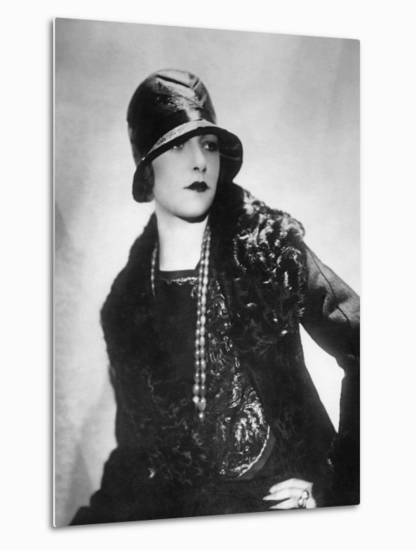 Hat Fashion for Women, 1930s-Scherl Süddeutsche Zeitung Photo-Metal Print