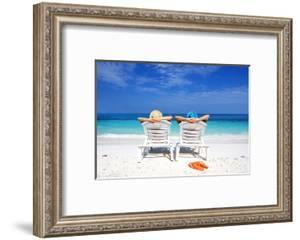 Couple On A Tropical Beach by haveseen