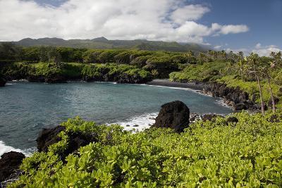Hawaii, Maui, Black Sand Beach of Waianapanapa-Design Pics Inc-Photographic Print