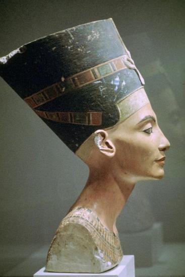 Head of Queen Nefertiti of Egypt. Artist: Unknown-Unknown-Giclee Print