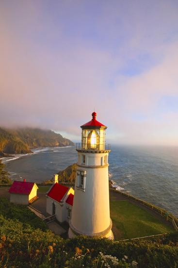 Heceta Head Lighthouse, Oregon Coast, Pacific Ocean, Pacific Northwest-Craig Tuttle-Photographic Print