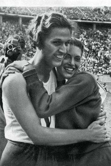 Helen Stephens and Alice Arden, American Athletes, Berlin Olympics, 1936--Giclee Print