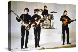 HELP, 1965 directed by RICHARD LESTER Paul McCartney, George Harrison, Ringo Starr and John Lennon
