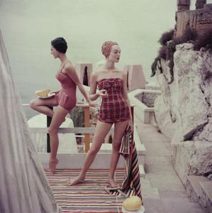 Vogue - January 1955 by Henry Clarke