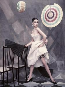 Vogue - May 1954 by Henry Clarke