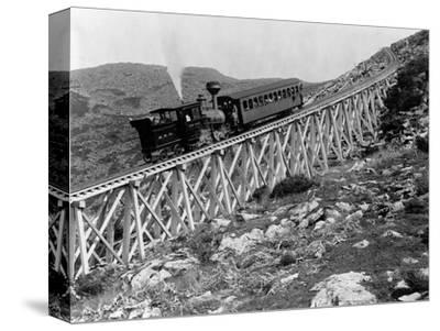 Railroad Climbing Mount Washington