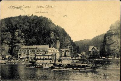 Herrnskretschen Ùstecký Kraj, Dampfer Koenigin Carola--Giclee Print