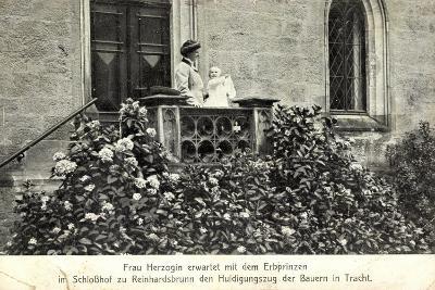 Herzogin Victoria Adelheid, Erbprinz, Reinhardsbrunn--Giclee Print