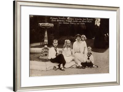 Herzogin Viktoria Adelheid, Leopold, Hubertus,Coburg--Framed Giclee Print