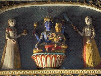 Hindu gods Vishnu and Laxmi in Half Moon Palace, India-John & Lisa Merrill-Photographic Print