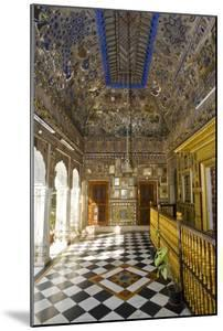 Hinduism: Ornately Decorated Painted and Mirrored Ceiling