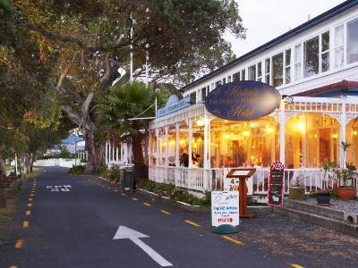 Historic Duke of Marlborough Hotel, Russell, Bay of Islands, Northland, New Zealand-David Wall-Photographic Print