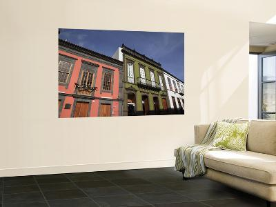 Historic Houses in Calle Real De La Plaza-Ruth Eastham & Max Paoli-Wall Mural