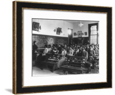 History Class Tuskegee Institute in Alabama Photograph - Alabama-Lantern Press-Framed Art Print