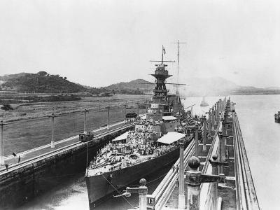 HMS Hood in Panama Canal--Photographic Print