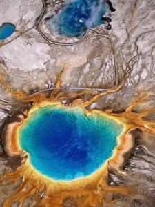 Grand Prismatic Spring, Yellowstone National Park, Wyoming by Holger Leue