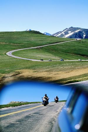Traffic on Trail Ridge Road, Rocky Mountain National Park, Colorado, United States of America, Nort
