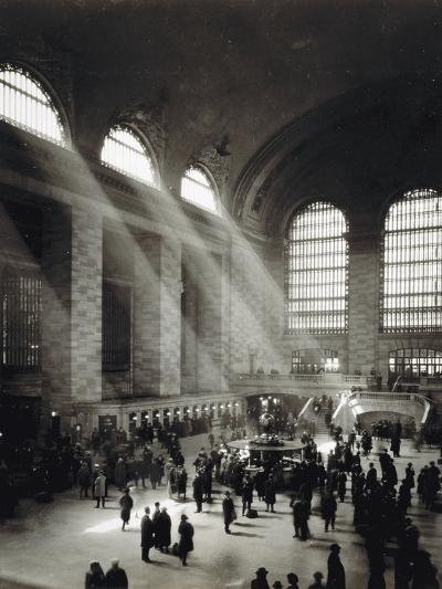 Holiday Crowd at Grand Central Terminal, New York City, c.1920-American Photographer-Photographic Print