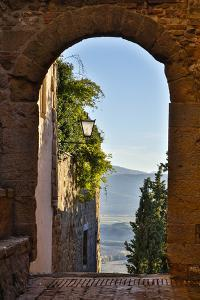 Italy, Pienza, Doorway to Tuscany by Hollice Looney