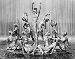 Million Dollar Mermaid, Esther Williams, MGM, 1952 by Hollywood Historic Photos
