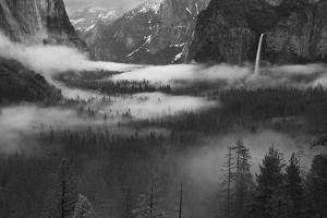 Fog Floating in Yosemite Valley by Hong Zeng