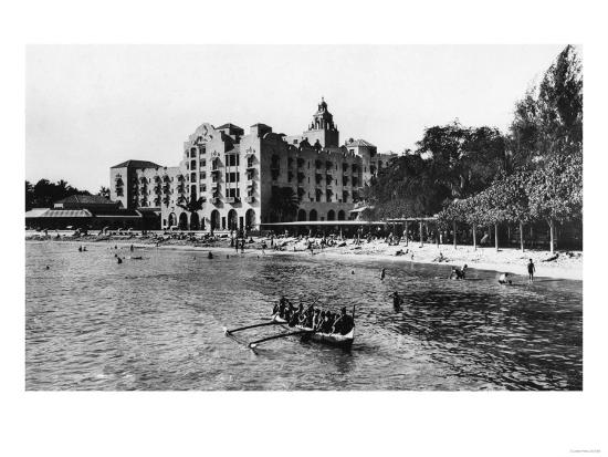 Honolulu, Hawaii View of Royal Hawaiian Hotel Photograph No.1 - Honolulu, HI-Lantern Press-Art Print