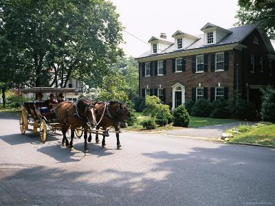 Horse and Carriage in Lee Avenue, Lexington, Virginia, United States of America, North America-Pearl Bucknall-Photographic Print