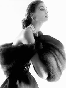 Vogue - August 1954 - Suzy Parker by Horst P. Horst