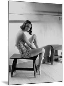Vogue - December 1938 by Horst P. Horst
