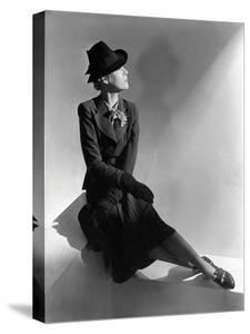 Vogue - January 1938 by Horst P. Horst