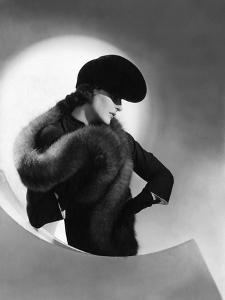 Vogue - July 1937 by Horst P. Horst