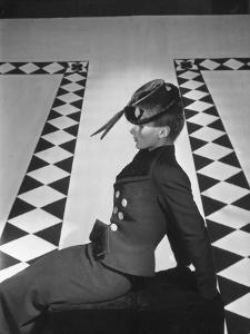 Vogue - October 1938 by Horst P. Horst