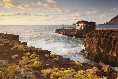 https://imgc.artprintimages.com/img/print/hotel-punta-grande-at-sunset-las-puntas-el-golfo-lava-coast-canary-islands-spain_u-l-q12s90a0.jpg?p=0