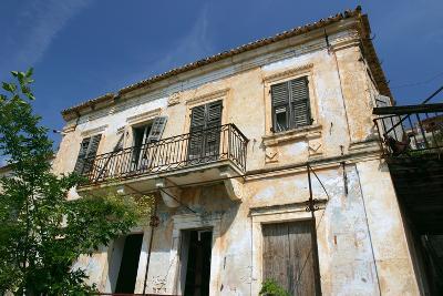 House, Assos, Kefalonia, Greece-Peter Thompson-Photographic Print