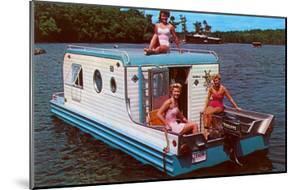 Houseboat with Bathing Beauties