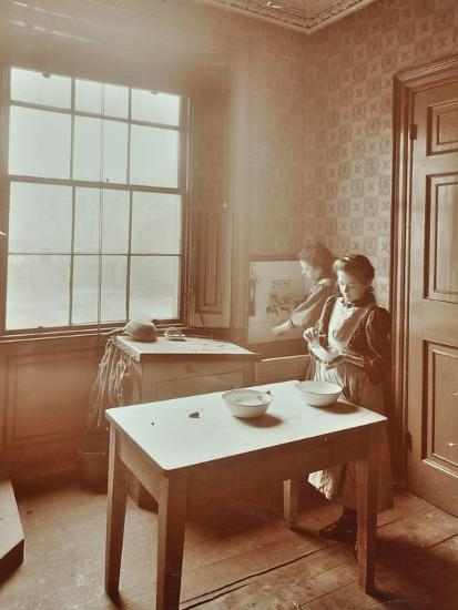 Housewifery, Barnsbury Park School, Islington, London, 1908-Unknown-Photographic Print
