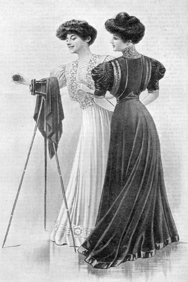 How a Girl Should Dress, 1907--Giclee Print