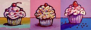 3 Cupcakes by Howie Green