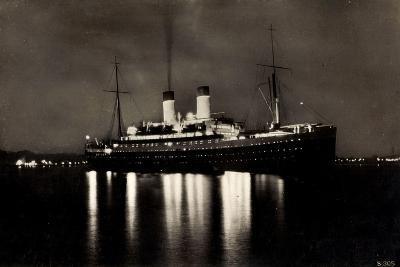 HSDG, Dampfschiff M.S. Monte Rosa Bei Nacht--Giclee Print