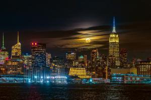 Super Blue Moon 2018, New York City by Hua Zhu