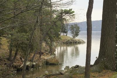 Hudson River From the Shore of Hyde Park, NY--Photographic Print