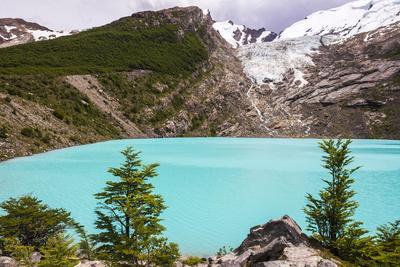 https://imgc.artprintimages.com/img/print/huemul-lake-lago-huemul-and-huemul-glacier-glaciar-huemul-el-chalten-patagonia-argentina_u-l-q12sqk20.jpg?p=0