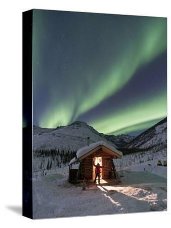 Caribou Bluff Cabin, White Mountain National Recreation Area, Alaska, USA