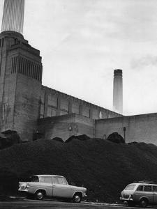Battersea Power by Hulton Archive
