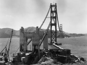 Bridge Building by Hulton Archive