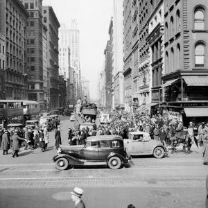New York Street Scene by Hulton Archive