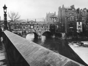 Pulteney Bridge by Hulton Archive